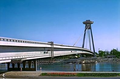 Most snp, nový most, reštaurácia ufo
